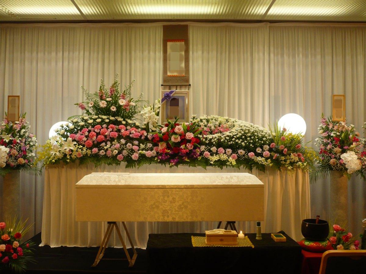 鶴見斎場 祭壇例2