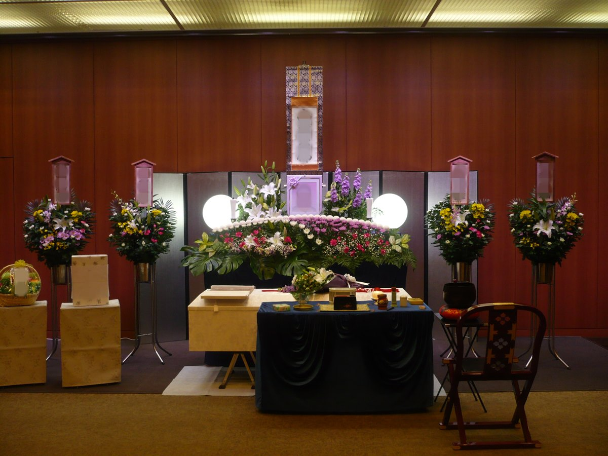 鶴見斎場 祭壇例3