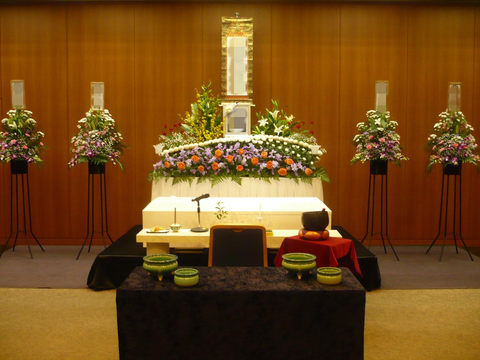 鶴見斎場 祭壇例4